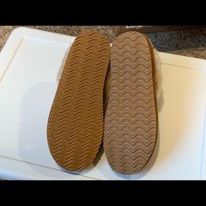 Great Northwest Clothing Company Shoes Nwot Fuzzy Slippers Poshmark